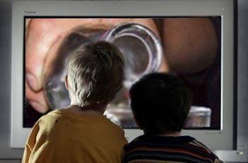 фильмы с рейтингом R способствуют пристрастию детей к